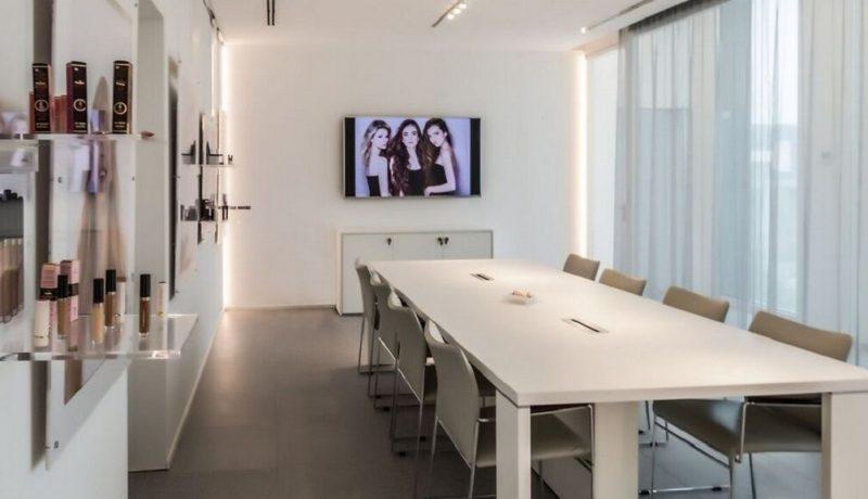 Ricerca Ufficio di 600 mq c.a. in Semicentro a Milano